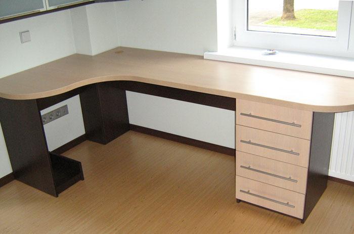 Письменные столы угловые под заказ